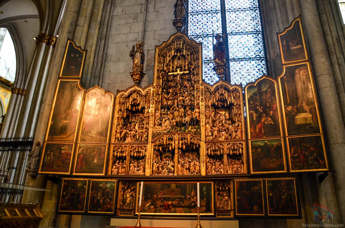 Almanya Dom Katedrali