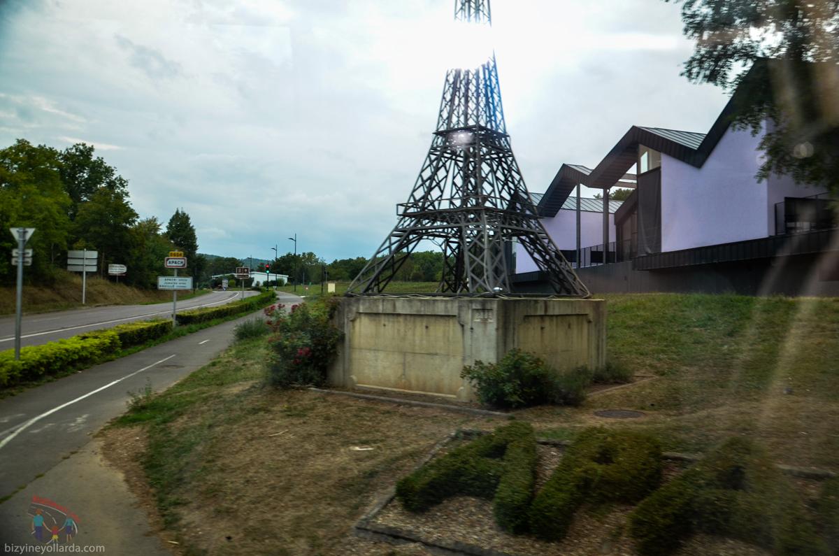 Minyatür Eyfel Kulesi