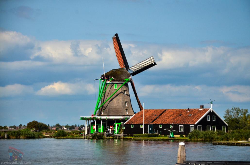 Hollanda Yel Değirmenleri