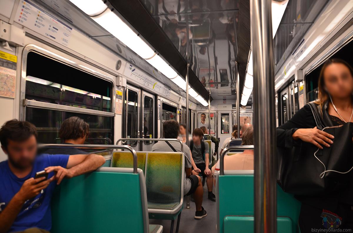 Paris metro inside