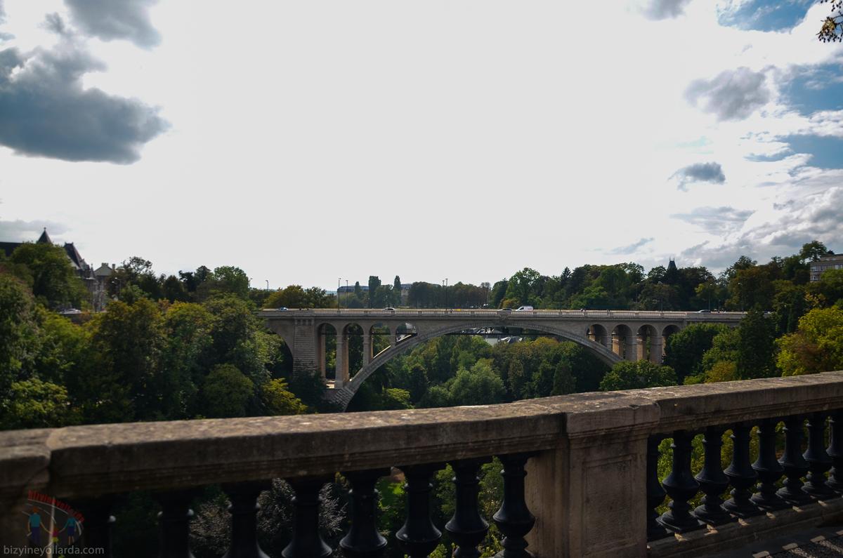 Lüksemburg Pont Adolf Köprüsü