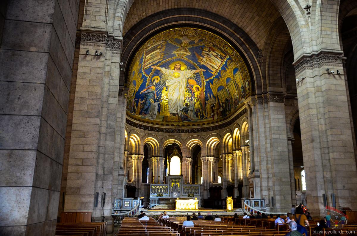 Sacre Coeur Kilisesi