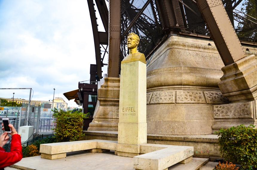 Gustave Eiffel Heykeli