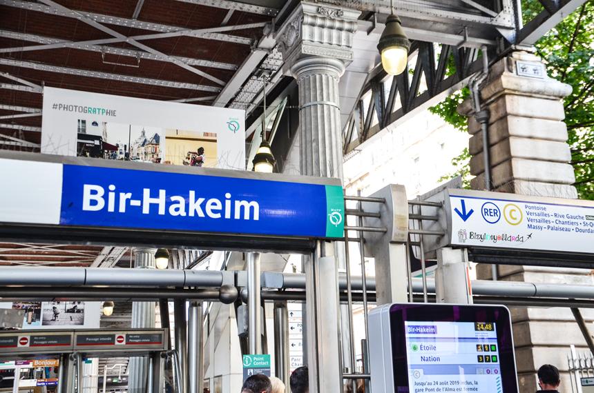 Paris Bir Hakeim Metro İstasyonu