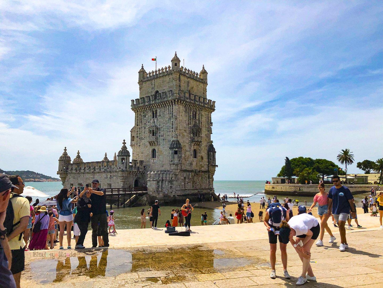 Savunma amaçlı yaptırılan Belem Kulesi, Lizbon için önemli tarihsel miraslardan biridir.