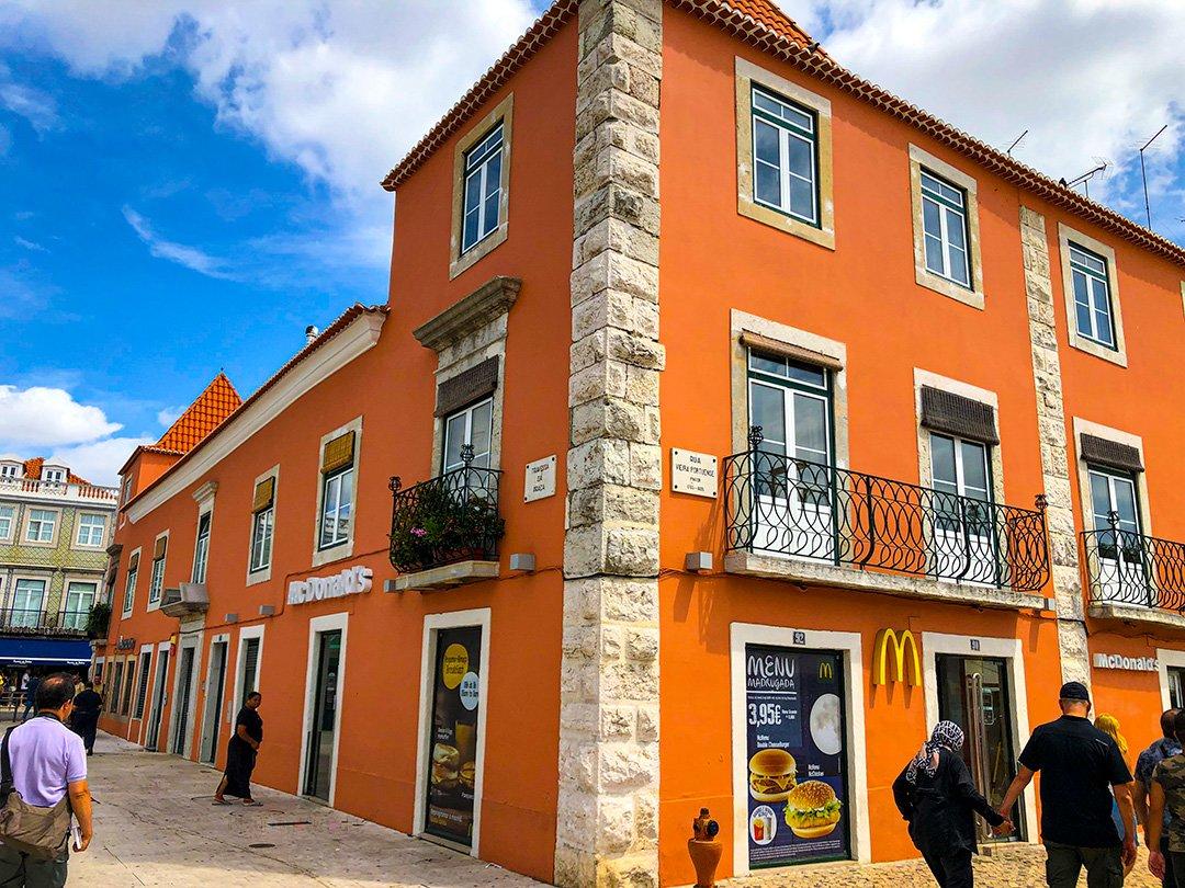 Lizbon Restoran ve Barlar Sokağı